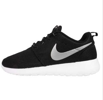 Nike黑色网面女士跑鞋  $119.00