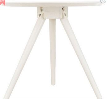Scarborough 白色边桌 现价$59.97!