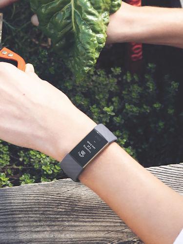Fitbit Charge3 智能手环 2018款 7天续航 – 8折优惠!